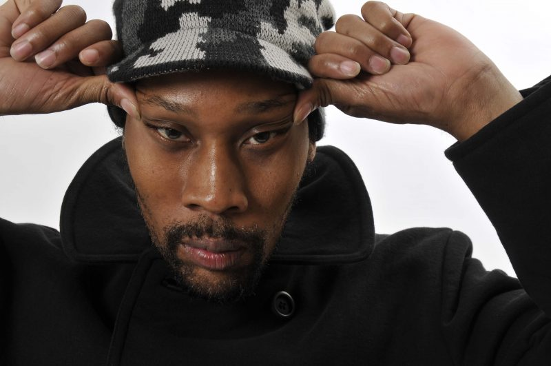 """SELL-OUT"": RZA Of Wu-Tang Clan Says Black People Should STOP SCARING COPS and DRESS PROPERLY!!"
